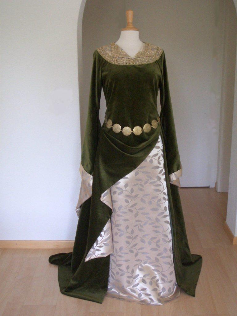 Eowyn grünes Kleid 01