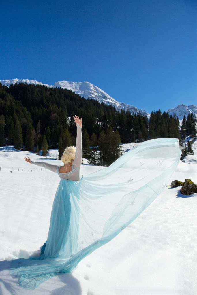 Elsa Cosplay Frozen
