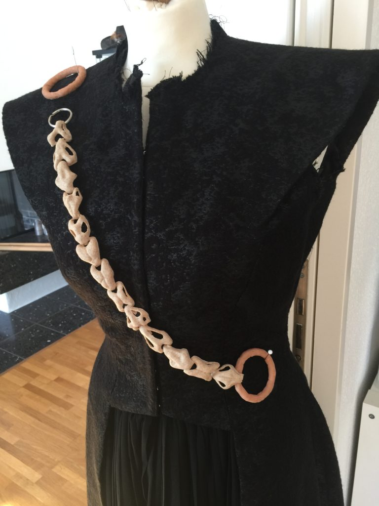 Daenerys dragon chain