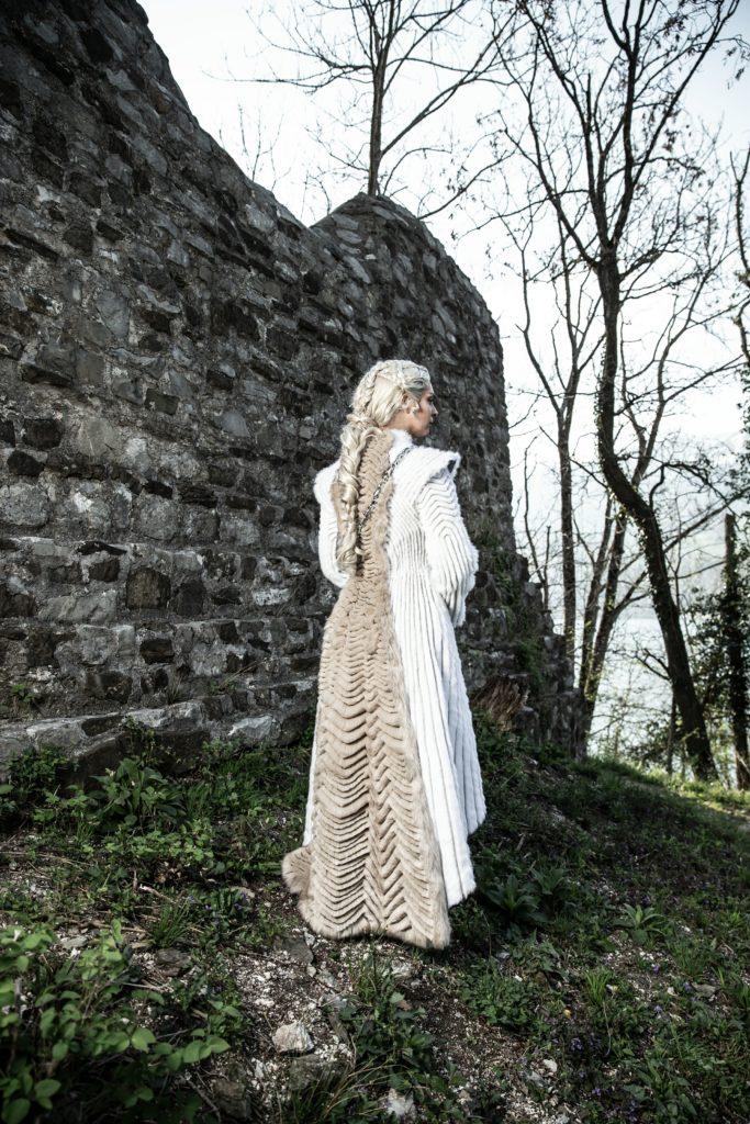 Daenerys fur coat 024