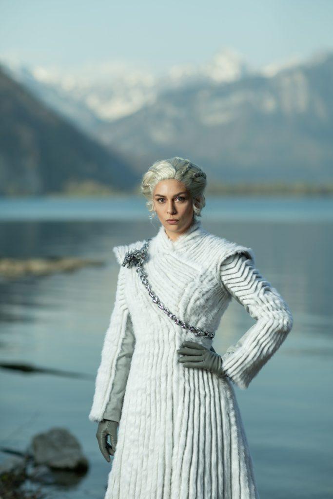 Daenerys fur coat 07